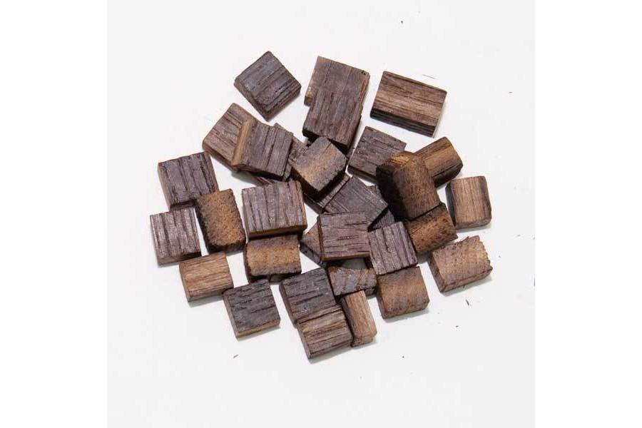 Kostky z francouz. dubu Medium (9 kg) obrázek